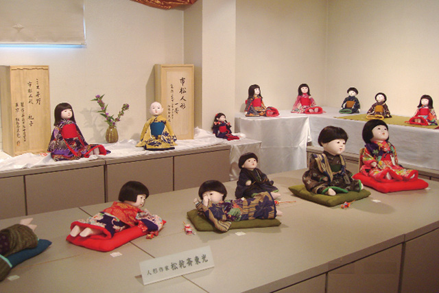 長野絹子を修復された松乾斎東光のお人形たち