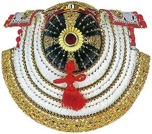 裾金物の文様と精緻な造り